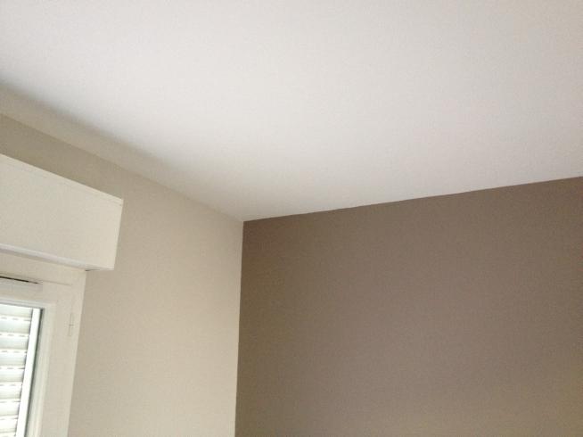 Bruits de marteau mobilier d 39 exterieur petits travaux d 39 interieurs petit bricolage homme for Peinture radiateur couleur aluminium
